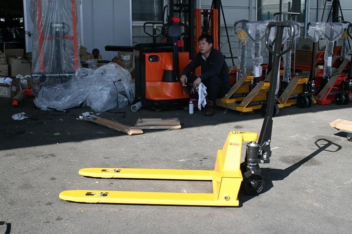 Xe nâng tay 2 tấn càng ngắn Ssangyong
